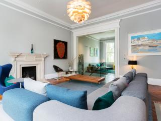River Thames, beautiful 2 bed on riverfront, Westminster, London