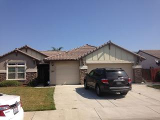 Large Fully Furnished Family Home, Hanford