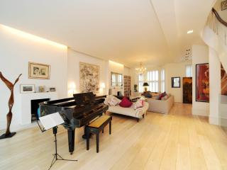 An impressive six-bedroom family home in the Holland Park/Kensington area., London