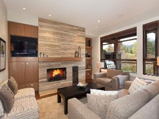 Whistler Platinum | Fitzsimmons Walk 24 - Luxury 4 Bed Townhome,  Hot Tub