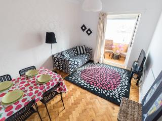 Chairming 2 bed flat in the center of Lisbon