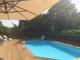 2 Bedroom Gite nr Sarlat & Montignac. Heated Pool., Saint-Genies