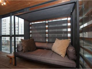 Modern cool. One Bed in hip Dalston - sleeps 4, Londres