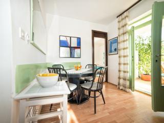TH01002 Apartment Pentek / Two bedrooms A1, Rabac