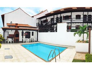 Rustic duplex near Beach & Dunes Pool BBQ Garage, Cabo Frio