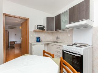 TH03425 Apartments Skalinada / One bedroom A7, Lokva Rogoznica