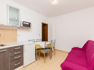 TH03425 Apartments Skalinada / One bedroom A10, Lokva Rogoznica