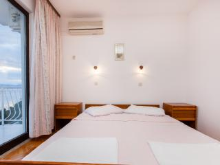 TH03425 Apartments Skalinada / Room S12, Lokva Rogoznica