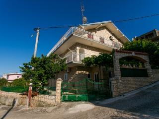TH01886 Apartments Piteša / One bedroom Charm A3, Trogir