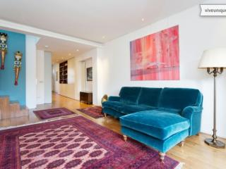 A spacious two-bedroom flat in the family neighbourhood of Highbury, Islington., Londen