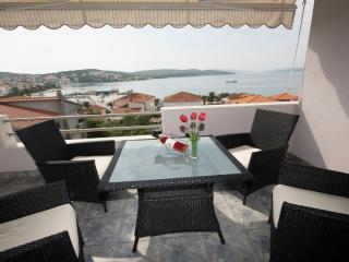 TH01894 Apartments Meri / Three bedrooms A4, Okrug Gornji