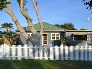 Toowoon Bay Cottage - Central Coast, NSW Australia