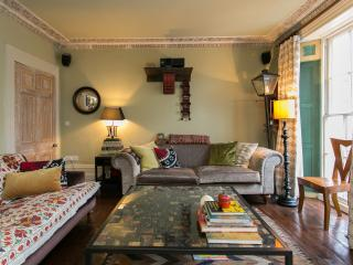 3 bed rustic townhouse, College Cross, Islington, Londres