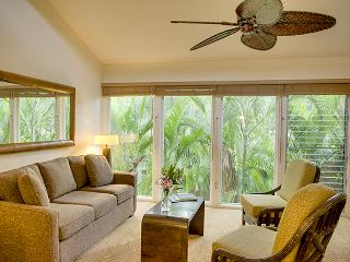 10% off the nightly rate 8/1-8/31 Aina Nalu H208!, Lahaina