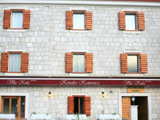 TH01898 Rooms Villa Kula / Triple room S3, Seget Vranjica