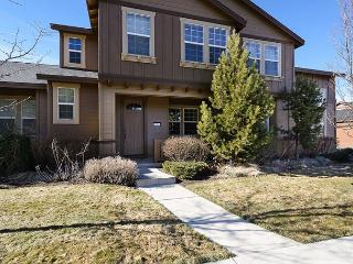 In Downtown! Modern Home Comfort with Easy Access to Everything Bend! Hot tub