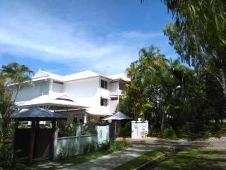 Coral Apartments, One Bedroom 3 Night Minimum Stay