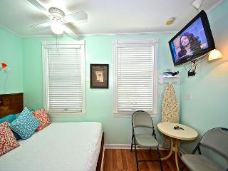 Salvador's Suite - Cozy Studio At The Galleria In 'Old Town' Key West