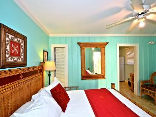"""SIMONTON COURT COTTAGES"" 4 Units in 1! Sleeps up to 10 Only 1 Block To Duval, Key West"