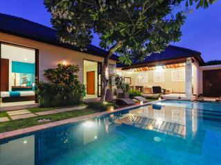 Samana Villas - Villa Samana Dua - 2 Bedrooms, Legian