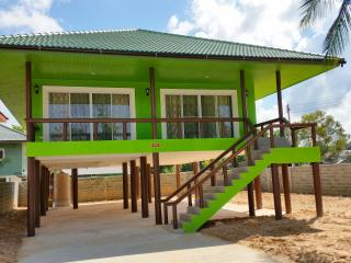New 2 Bedroom Villa 100m to Beach, Lipa Noi