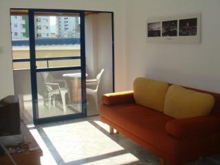 Excelente apartamento - 2 Dormit - 200m da praia