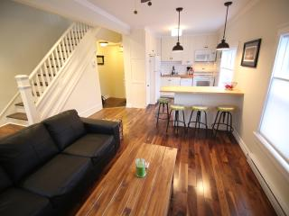 Impeccable Two Bedroom, St. John's