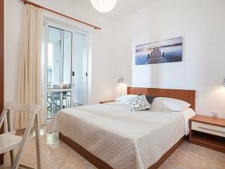 TH03446 Apartments Nela/Two Bedroom Apartment A, Tucepi