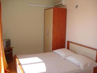 TH03450 Apartments Mirko / Studio A4, Duce