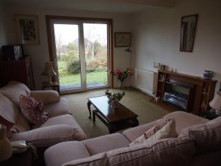 Home comforts in Peaceful 2 acres, Inverness