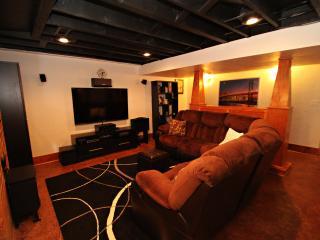 Shooks Run Retreat w/Media Room & Hot Tub, Colorado Springs