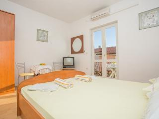 TH00748 Apartments Nuic / Studio apartment A2, Makarska