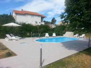 TH02810 Apartments Žentil / PINK Two bedrooms A1, Rab Island