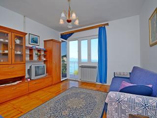 Apartment Ksenija - 32561-A1, Drvenik