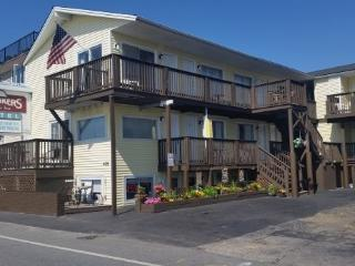 Hampton Beach Rentals. lovely studio units full cooking facitilies.
