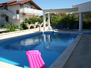 Spacious Modern Villa With 36 Sq m Pool Just 70m From The Beach