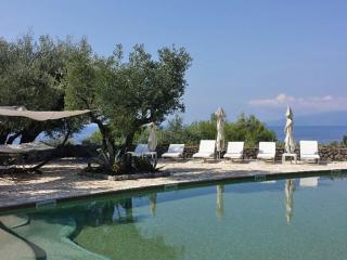 Romantic beach-front cottage for two with sea view, Fiumicello - Santa Venere