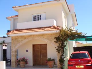 Luxury Detached 3 Bed Villa With Private Pool, Liopetri