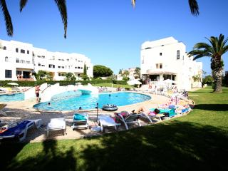 T3 Mid Alvor- 3 bedroom apartment in Alvor w/ pool