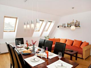 5 ROOMS APARTMENT FOR SMALL GROUPS W/ ROOF TERRACE, Budapest