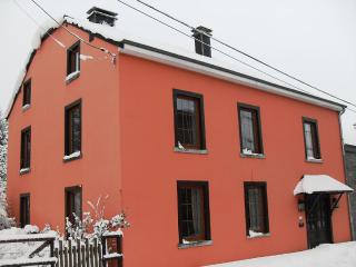 Charming cottage to rent for 6 persons, Bastogne