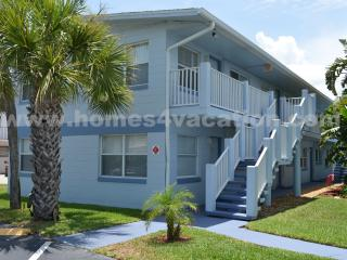 Beautiful Beach Side Condo, Just 45 min to Orlando, Cape Canaveral
