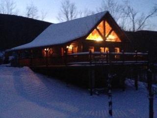 New Log Home near Sugarbush/Mad River Ski Resorts, Warren