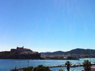 The Town House. Marina Botafoch. Talamanca 0.2km, Ibiza