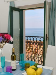 Livingroom + sea view