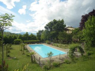 Vacanze Casale con piscina nella verde Umbria, Città di Castello