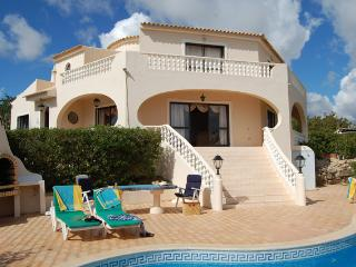 Stunning 3 bedroom villa with pool in Vilamoura., Vilamoura