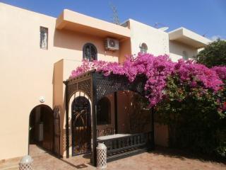 RAVISSANTE VILLA AVEC JARDIN, Agadir
