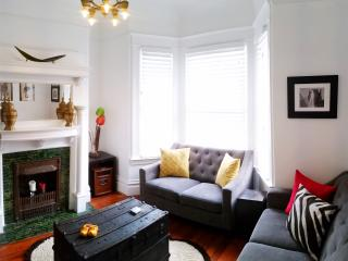 CHARMING EDWARDIAN FLAT, CLOSE TO EVERYTHING IN SF