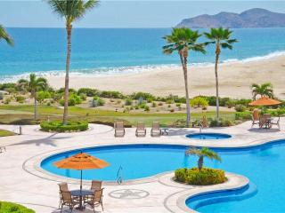 Beachfront Relaxation Near Fun Activities: Casa del Mar Pelicano 301 2BR